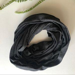American Eagle gray silver shine infinity scarf